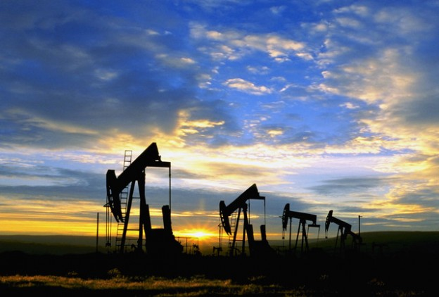 Oil Well Pumps --- Image by © Craig Aurness/CORBIS