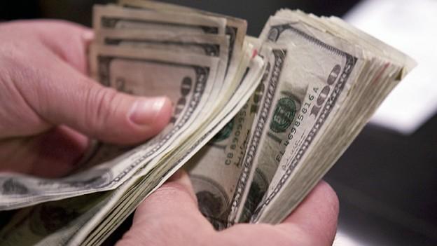 dollars en cash