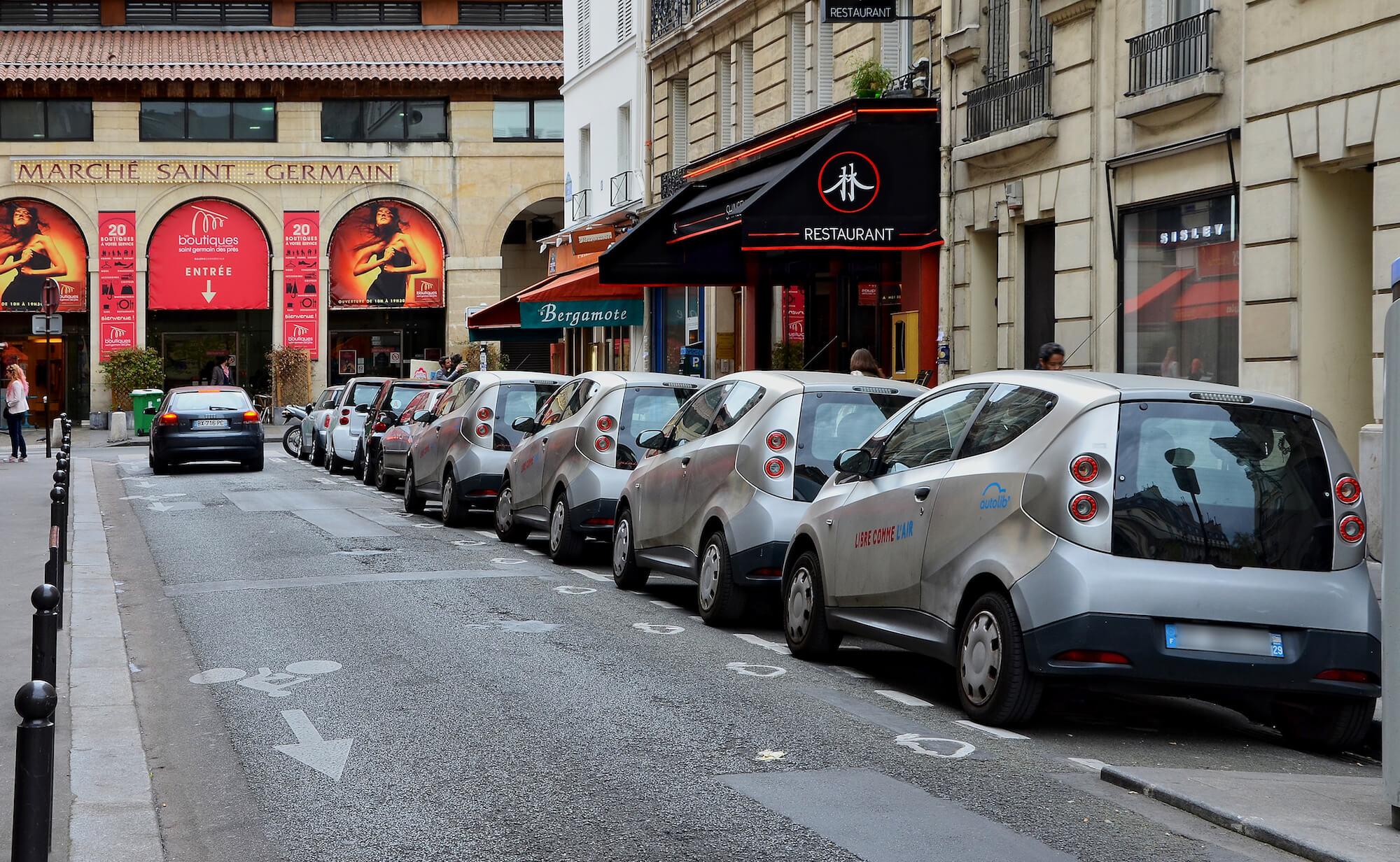Trouver des parkings bien localisés dans les quartiers très touristiques de Paris