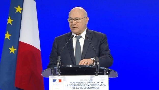 michel-sapin-lors-conference-presse-presentation-projet-loi-mars-2016-f
