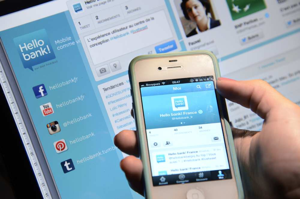 Avec Hello Bank, gérez votre compte sur votre smartphone